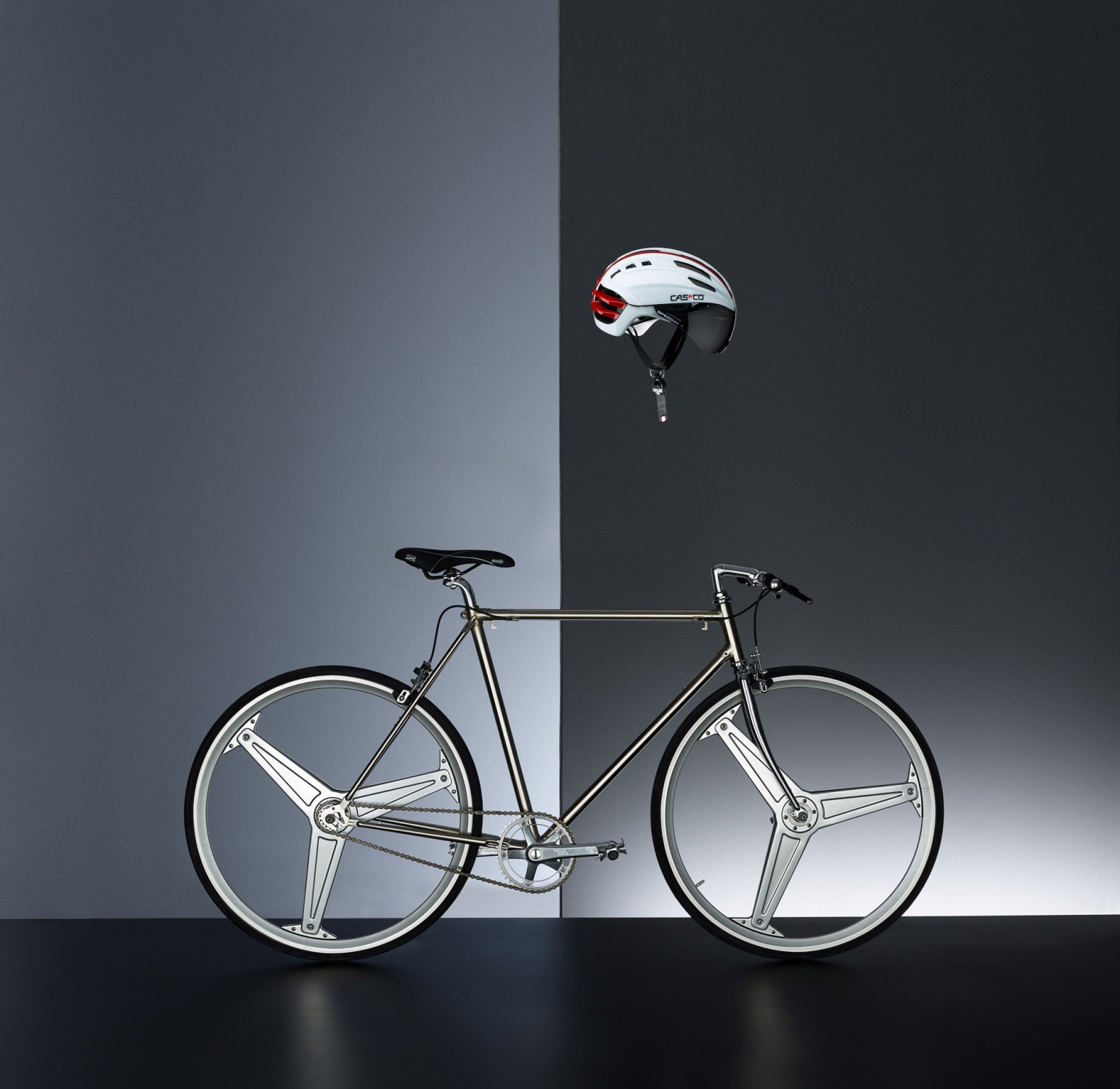 Bycicle_Selfmade_Helmet_Casco