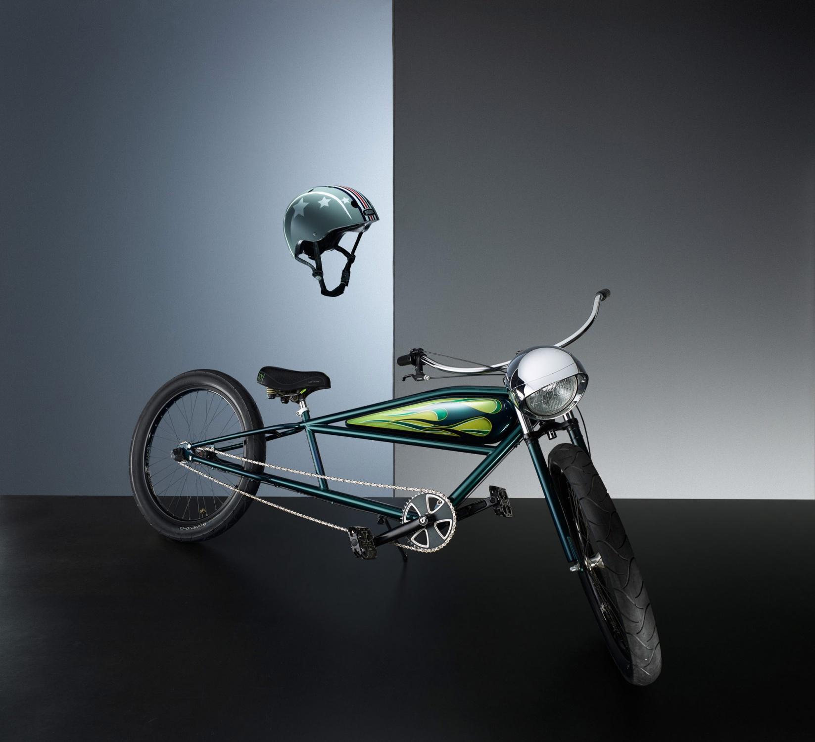 Bycicle_The_Easyrider_Helmet_Nutcase